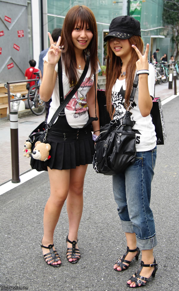 Japanese Street Fashion Girls
