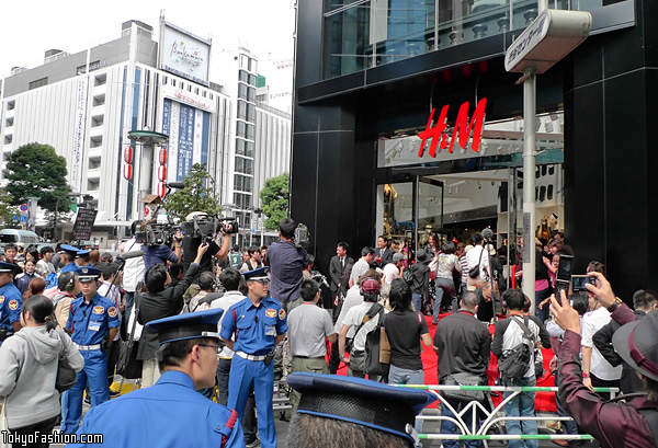 H&M Shibuya Opening Day First Customers