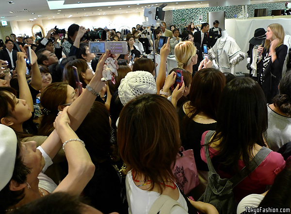 Nicky Hilton Japanese Fans