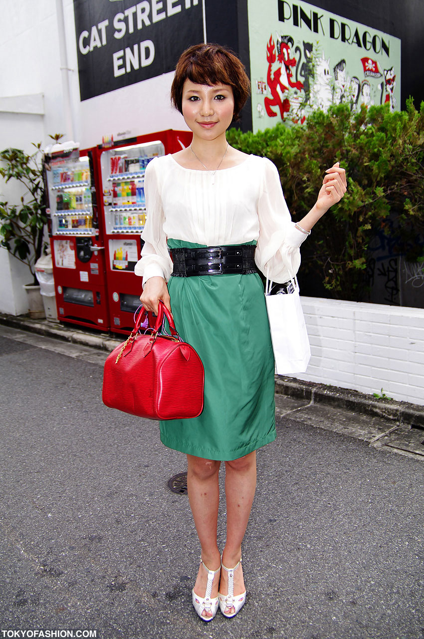 Red Handbag & Green Dress in Shibuya