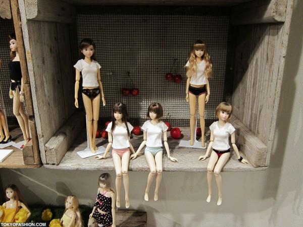 Lots of Momoko Dolls