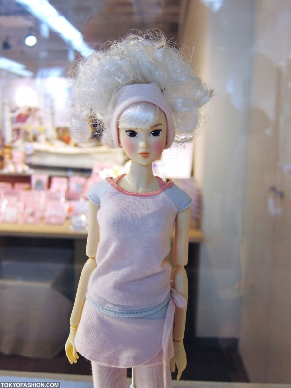 Japanese Momoko Doll Cool Hair