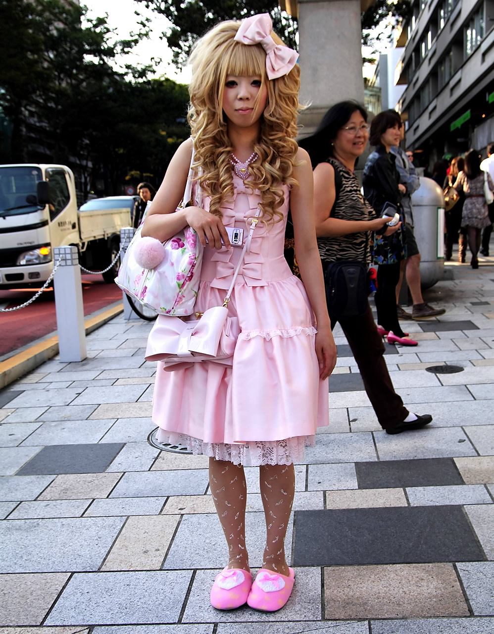 Japanese Hime Gyaru In Fuzzy Pink Slippers