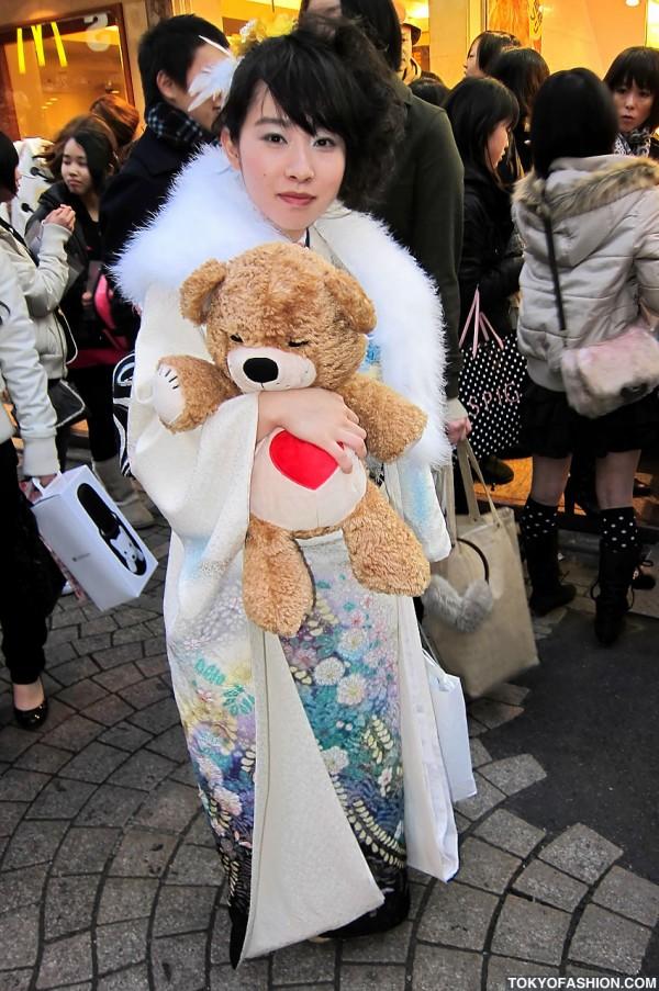 Kimono & Teddy Bear in Harajuku