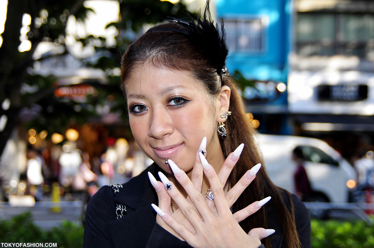 Women With Long Natural Fingernails Fashion 28
