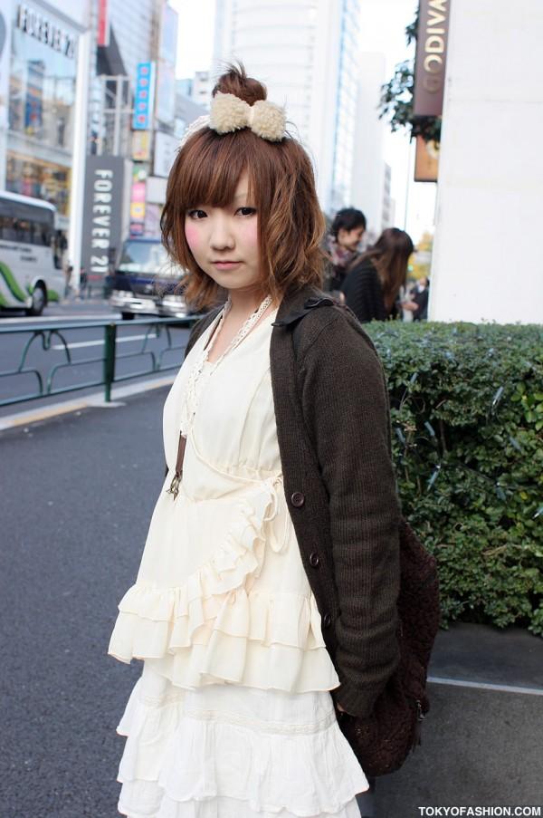 Cute Girl in Tiered Fashion in Harajuku