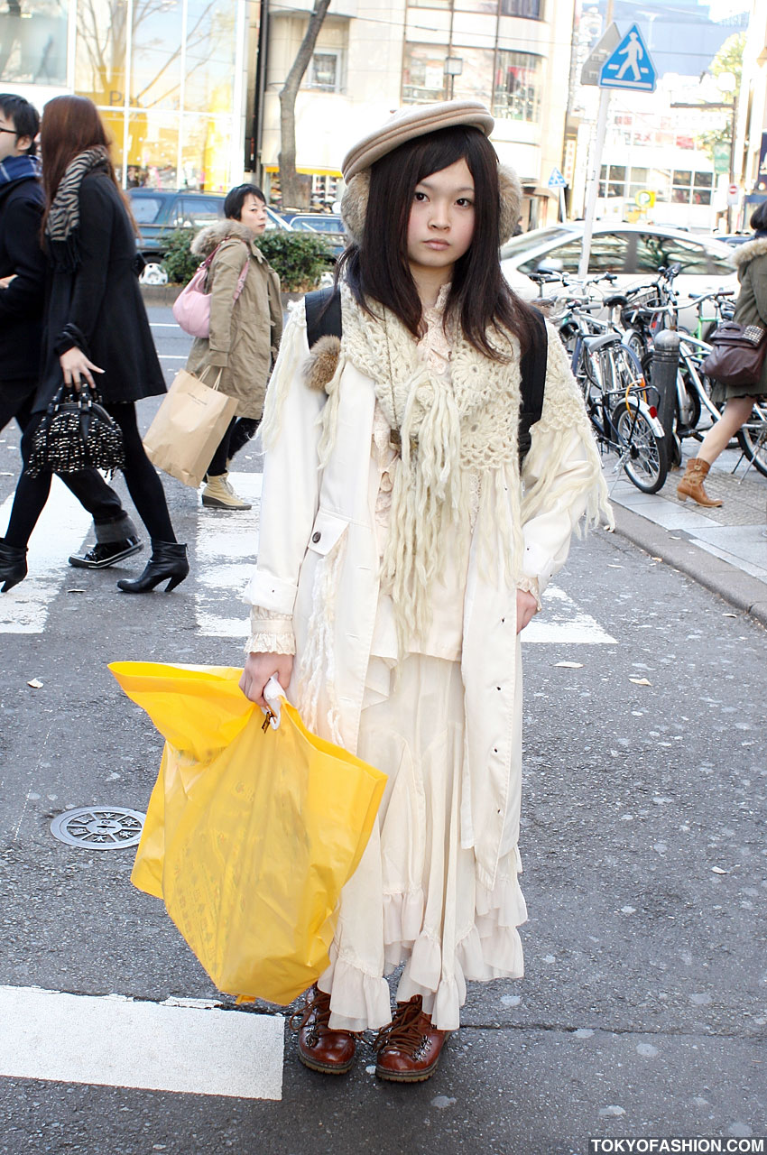 Japanese girl dress style
