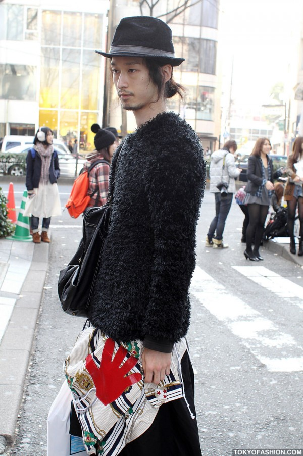 Black Hat Fashion in Harajuku