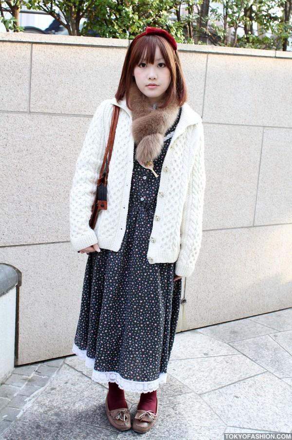 Vintage Purse & Knit Sweater Girl in Harajuku