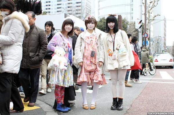 Three Cute Harajuku Girls