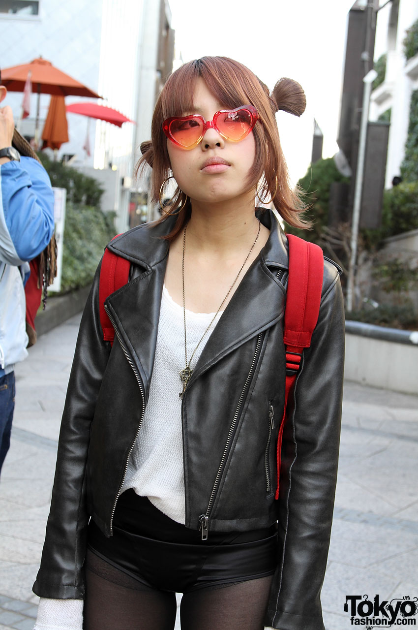 Cute Japanese Girl in Sonia Rykiel Short Shorts, Heels