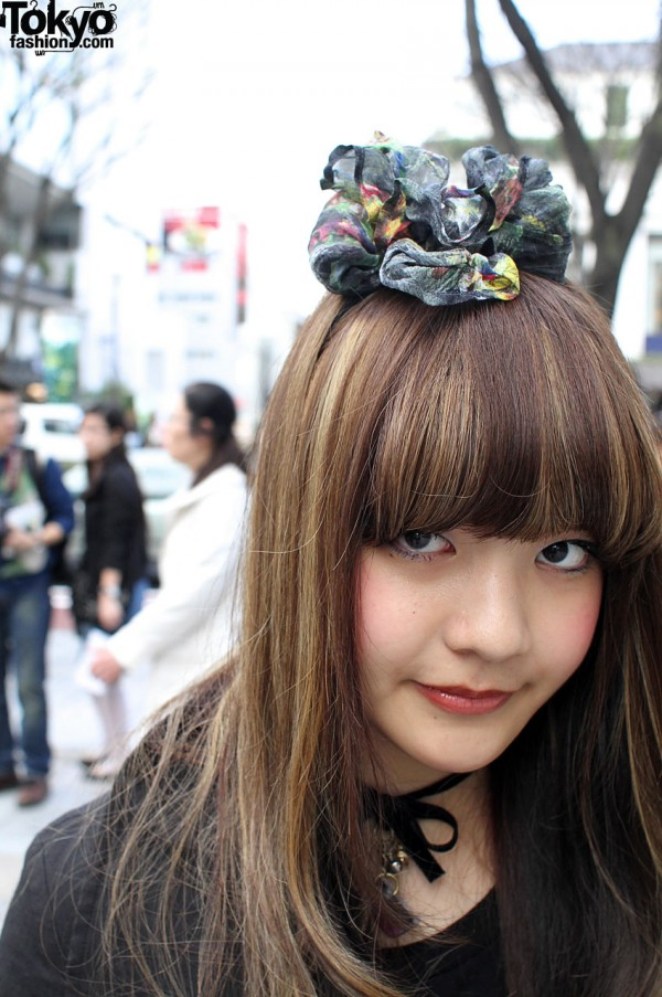 Japanese Dolly-kei girl with puffy hair bow