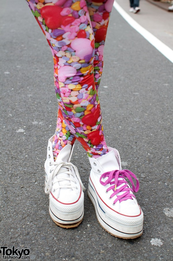 Print leggings and Nadia platform hightops
