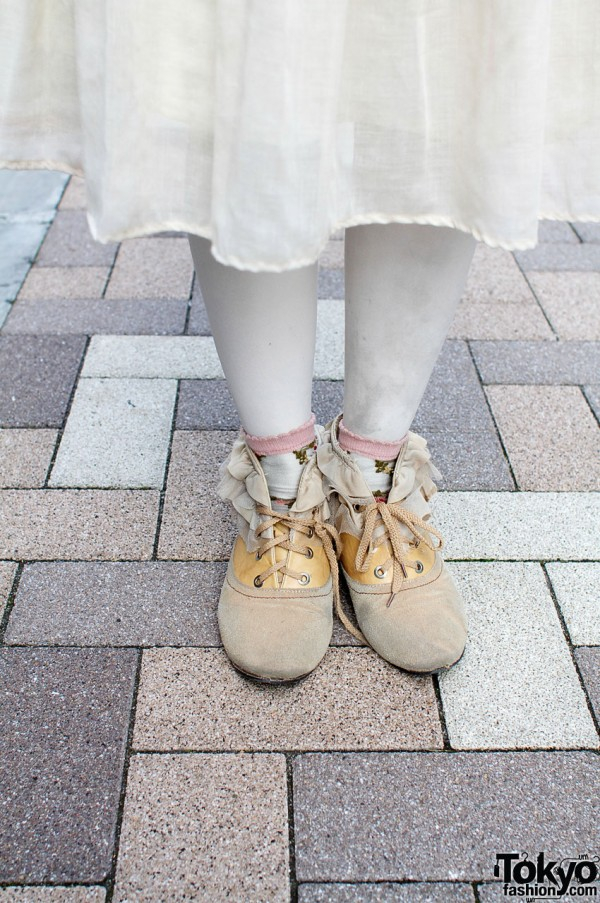 White stockings, anklets and suede resale shoes