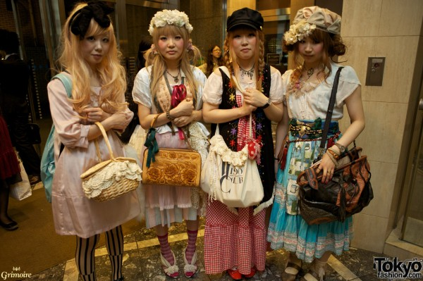 Cute fashion girls at the Grimoire party.