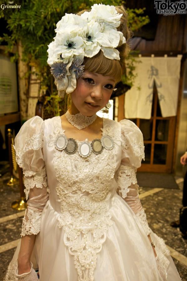 Kaori Ogawa of Grimoire in a beautiful dress.