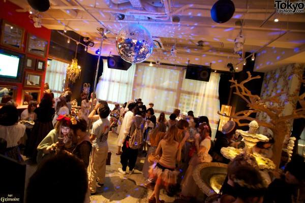 Disco ball & dolly-kei fashion in Tokyo.
