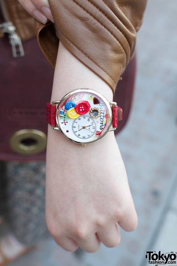 Par Avion watch with button theme