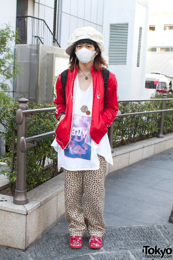 Japanese guy with face mask, Boy t-shirt & Marlboro jacket