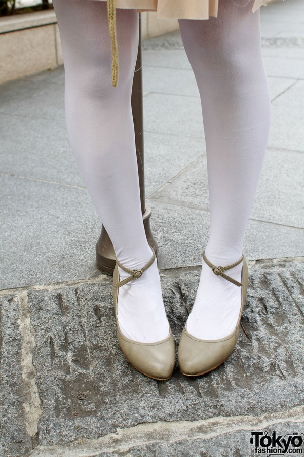 White stockings and As Know As shoes