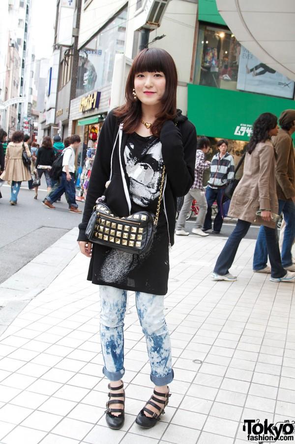 H&M T-Shirt and Goocy Handbag