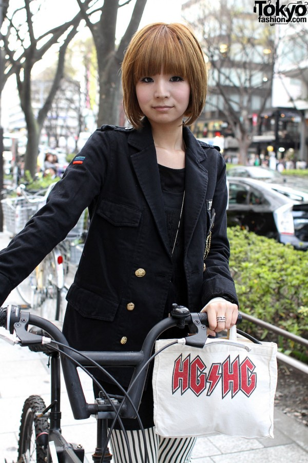 Red bob, bicycle & Hysteric Glamour bag