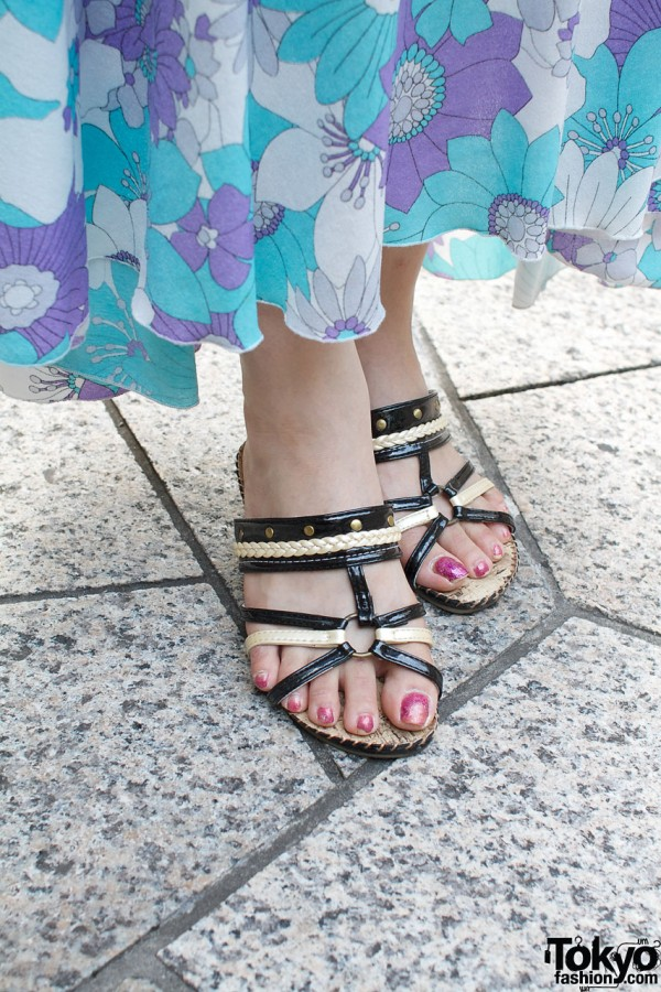 Strappy sandals & painted toes