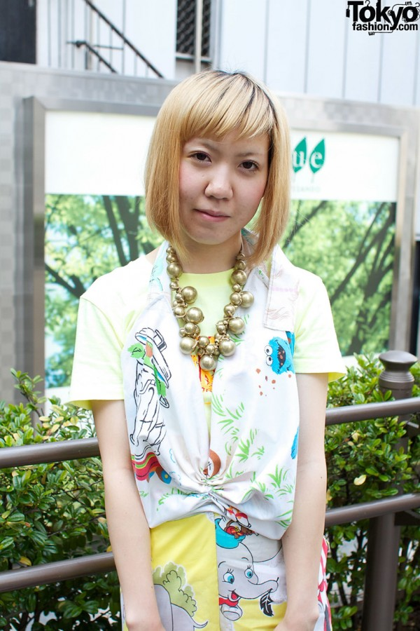 Sesame Street top and necklace with big gold beads