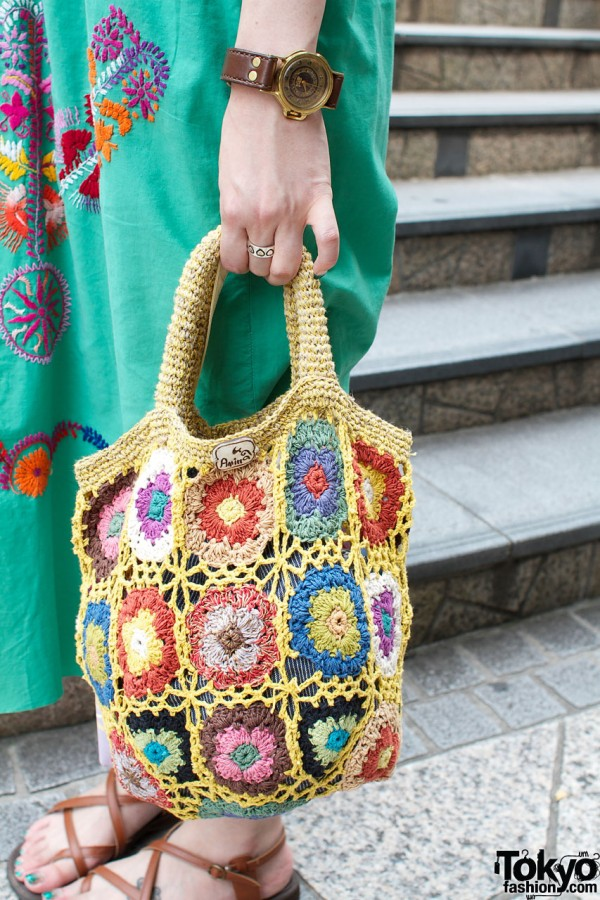 Crochet granny square bag from Cayhane