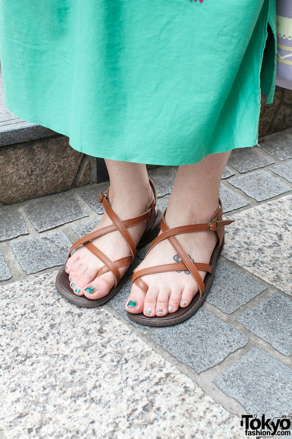 Summer sandals & blue toenails