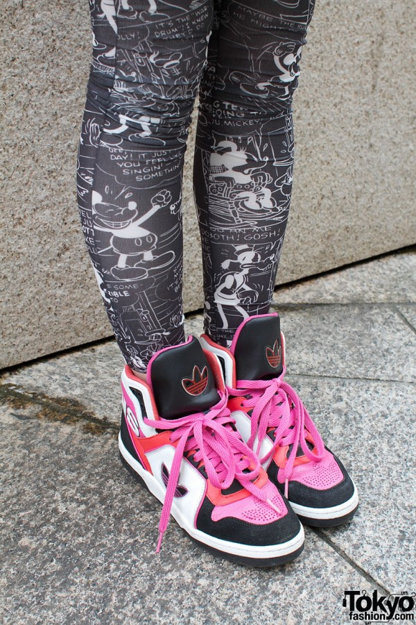 Mickey Mouse leggings & Pink Adidas
