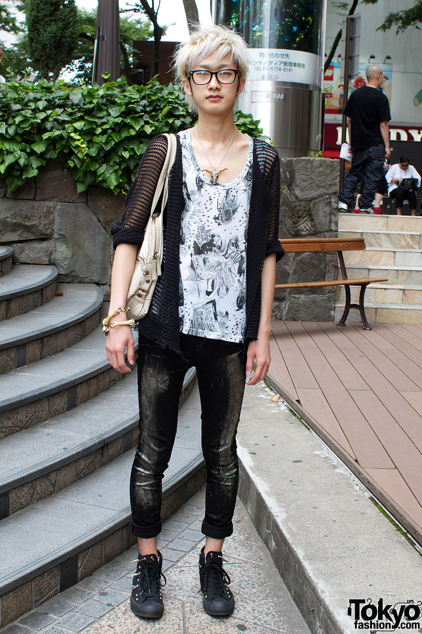No. 9 graphic top and Blank skinny pants