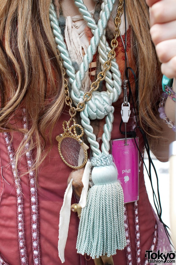 Grimoire magnifying glass & large tassel