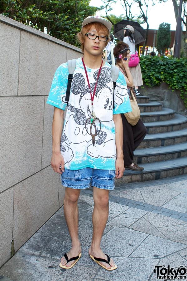 Mickey Mouse t-shirt & denim shorts