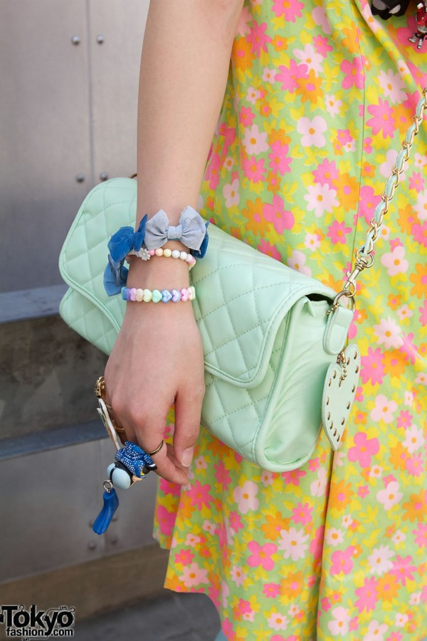 Quilted bag & blue bows