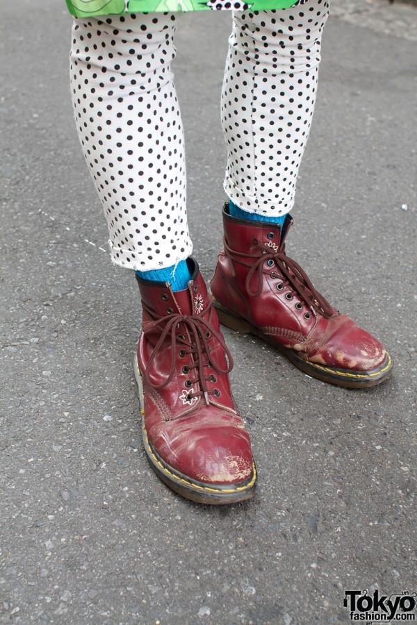 Daybreak leggings & Dr. Martens boots