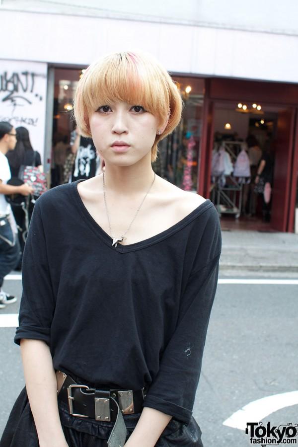 Resale v-neck knit shirt