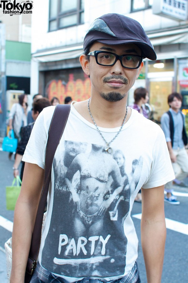 Glasses, hat, goatee and Original View shirt