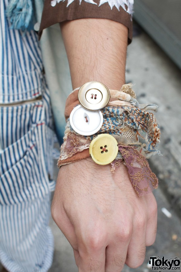 Cloth & button wristband