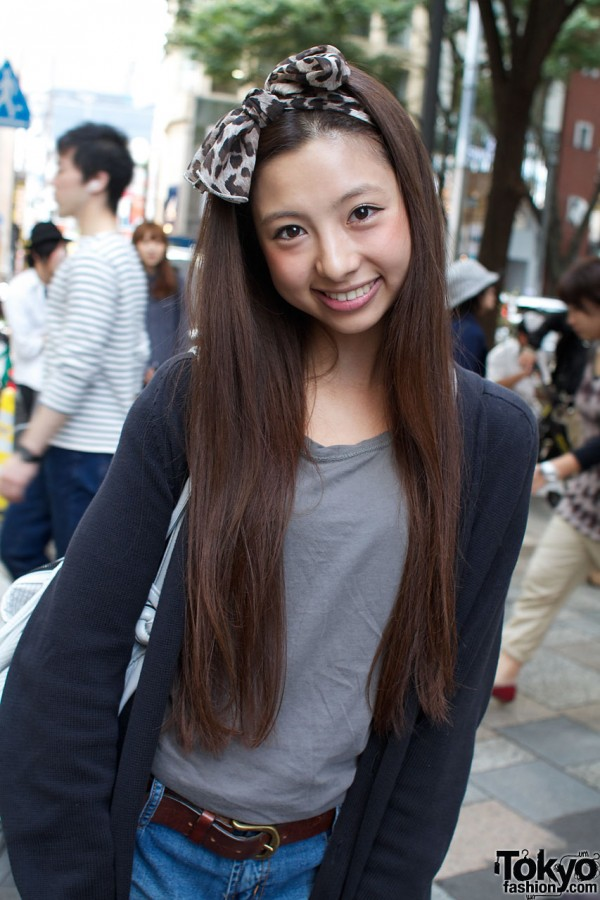 Hair bow & Armani t-shirt