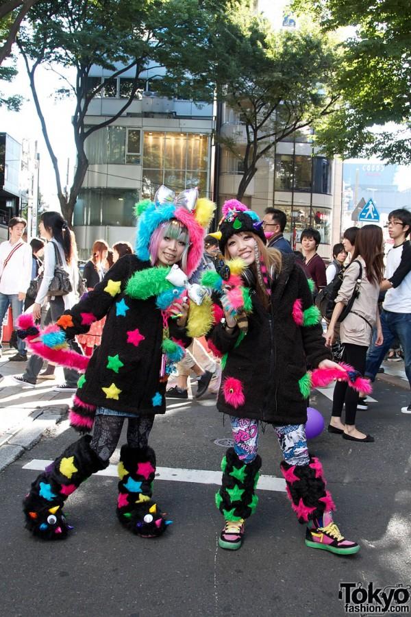 Omocha Party Street Fashion