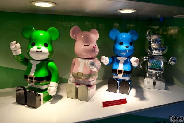 Isetan Christmas Bearbricks