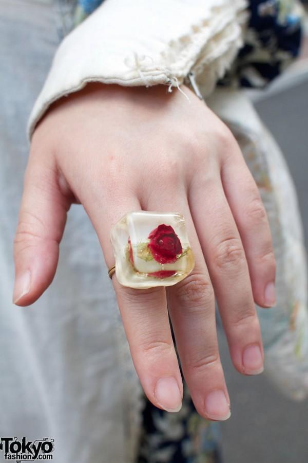 Plastic rose ring