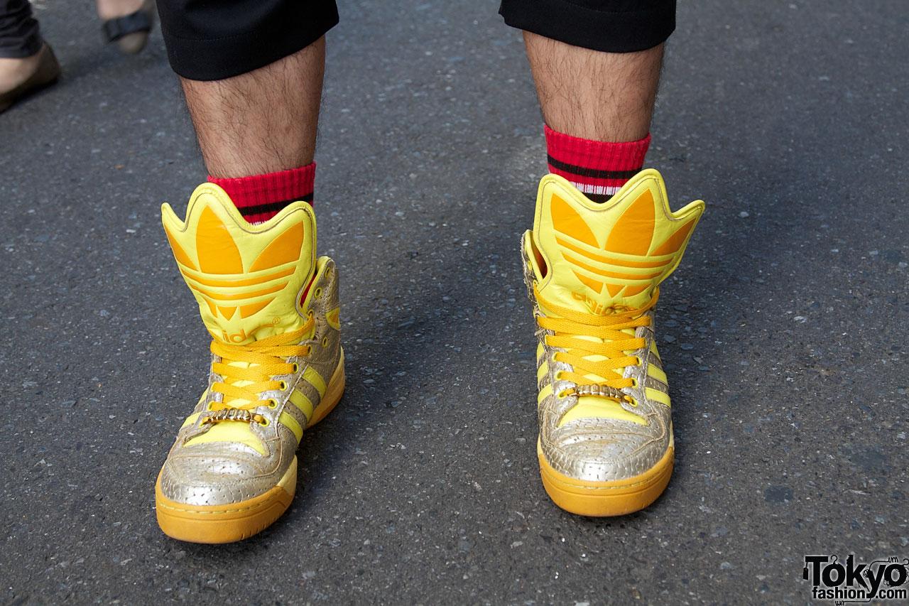 check out 8086b 6b186 Comme des Garcons vs. Adidas x Jeremy Scott