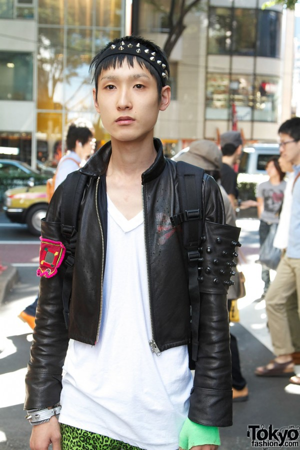 Short leather jacket with handmade details