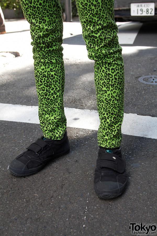 Green cheetah print leggings