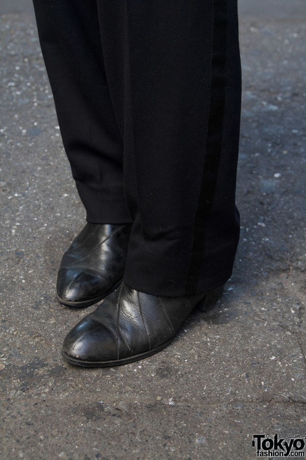 Tuxedo pants & black boots