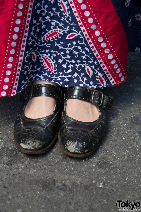 Resale shoes with decorative designs