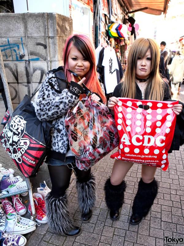 Harajuku Hatsuuri Shoppers