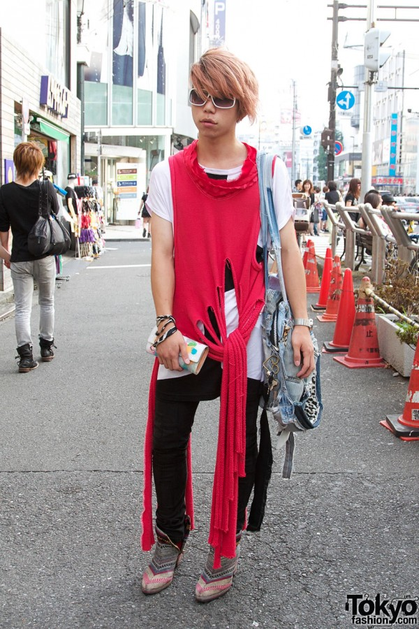 Japanese Guy in Banal Chic Bizarre High Heel Boots
